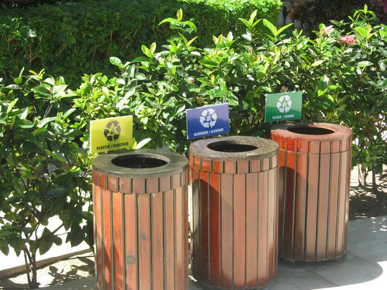 Infinity Bay Spa and Beach Resort: Infinity Recycles!