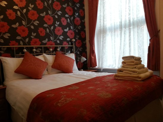 Emsley Guest House: The York