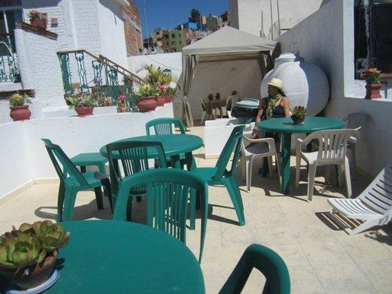 Hostal Cantarranas:                   rooftop area