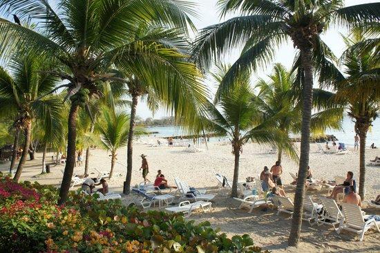 Decameron Baru:                   Praia no geral