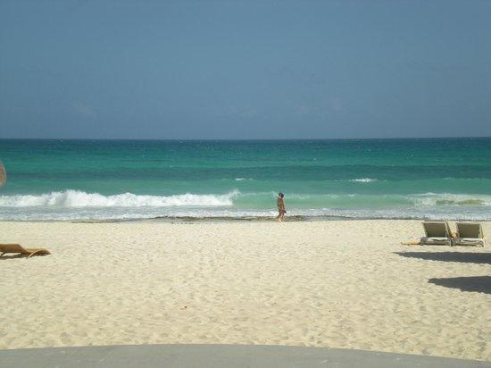 إبيروستار جراند هوتل بارايسو أول إنكلوسف: beach