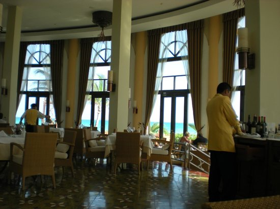 Iberostar Grand Hotel Paraiso: Breakfast