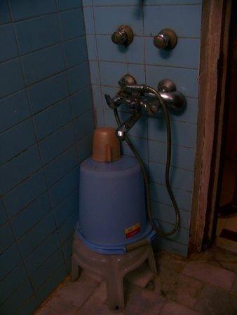 Janpath Guest House:                   Bucket shower