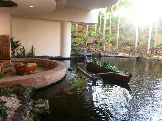 The Westin Maui Resort & Spa :                   lobby
