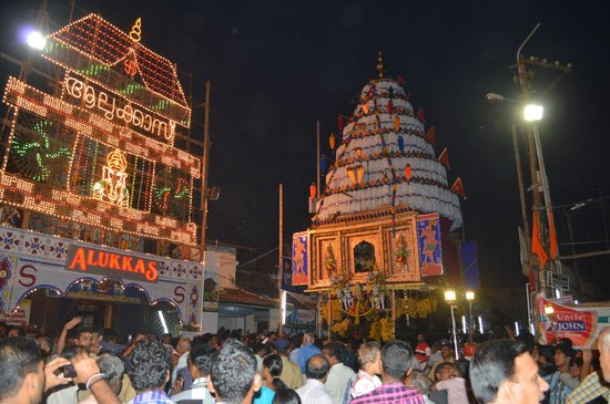 Palakkad, Indien:                   The Kalpathy Temple Chariots