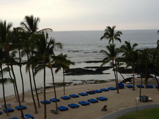Mauna Lani Bay Hotel & Bungalows:                   View from our Lani