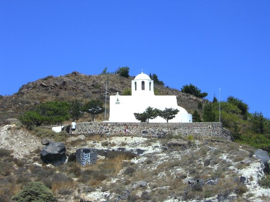 Rocabella Santorini Hotel:                                                       Orthodox Church on the hill