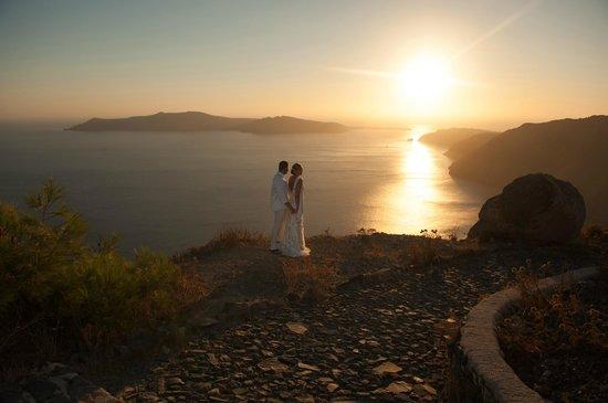Rocabella Santorini Resort & Spa:                                                       By the cliff of Santorini
