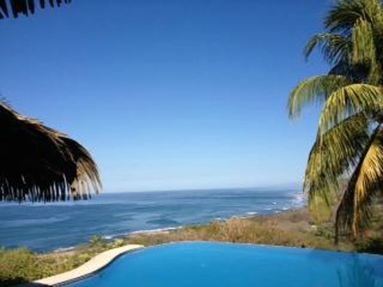 Hotel Vista de Olas:                   Vista de Olas pool overlooking ocean. Breathless