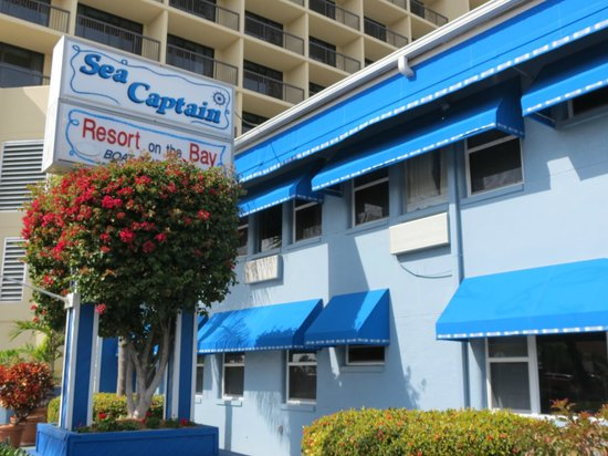 Sea Captain Resort on the Bay: Front entrance
