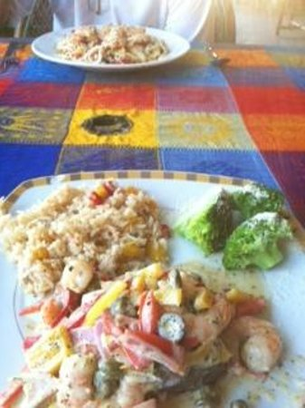 Eva`s Brickhouse :                                                       Mahi-Mahi with rice and vegetables - Aweso