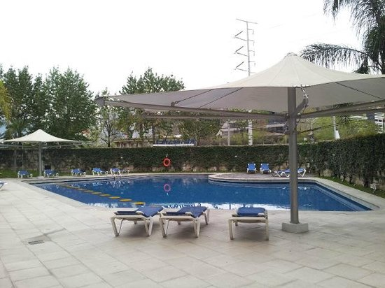 Hotel Ibis Monterrey Valle:                   Wow - the first(?) Ibis with pool