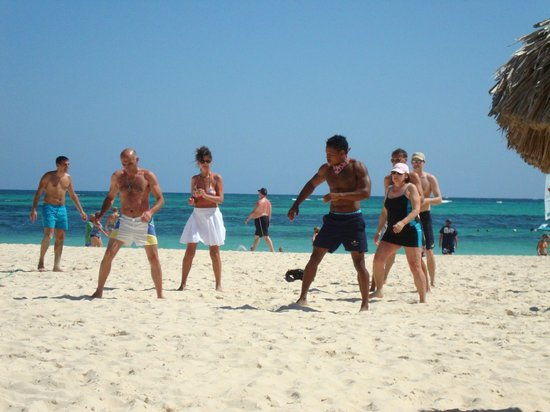 Secrets Royal Beach Punta Cana: Daily beach stretching & aerobics