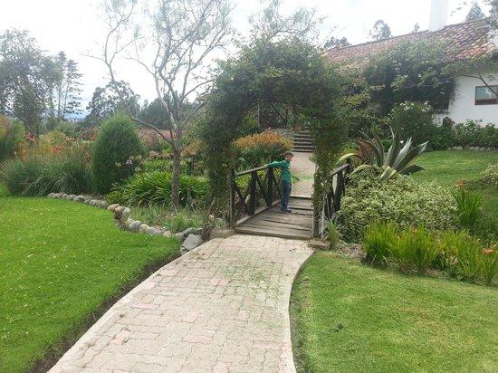 Hosteria Caballo Campana:                   jardines