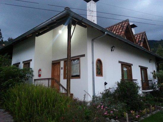 Hosteria Caballo Campana :                   cabaña