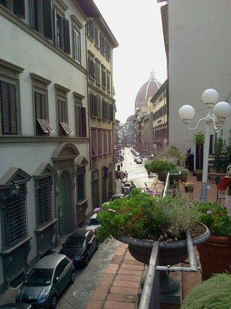 Hotel Balcony:                   DESDE LA TERRAZA LA VISTA DEL DUOMO