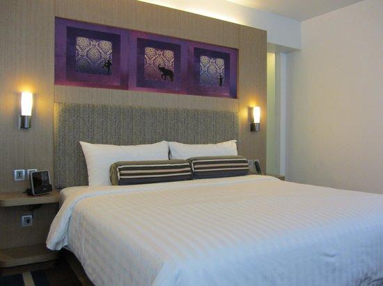 Aloft Bangkok - Sukhumvit 11:                   Room