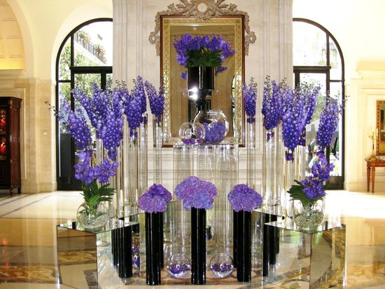 Four Seasons Hotel George V Lobby