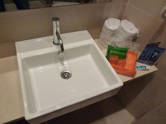 เอสเปเรีย แรมบลาส: in bathroom