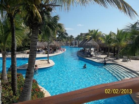 IBEROSTAR Paraiso Del Mar:                   One half of the pool