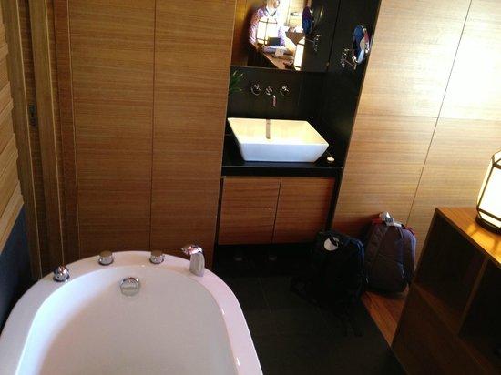 Horizon Hotel:                   bathtub outside froom bathroom