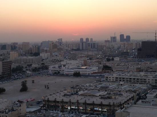 Horizon Manor Hotel : Souq-Waqif at sunset from the rooftop