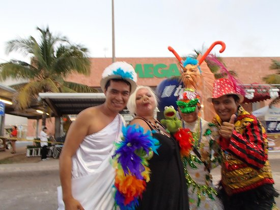 Grand Park Royal Cozumel:                   staff  took us to carnivale