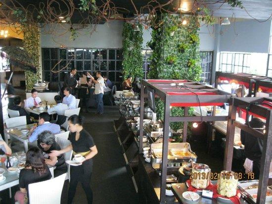 Akmani Hotel:                   Cafe
