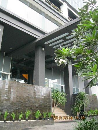 Akmani Hotel:                   hotel entrance