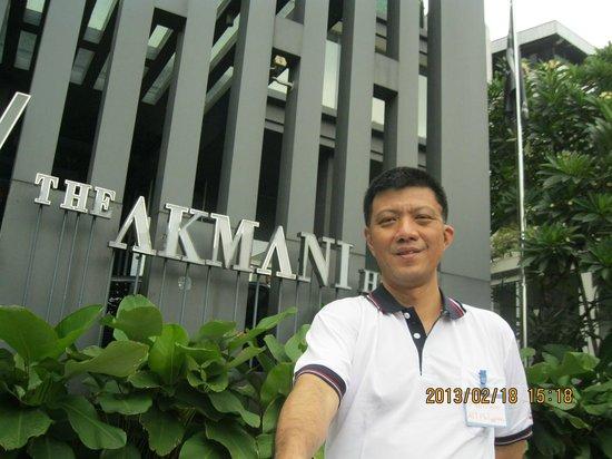 Akmani Hotel:                   hotel front