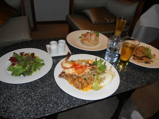 The Sukhothai Bangkok:                   ルームディナー