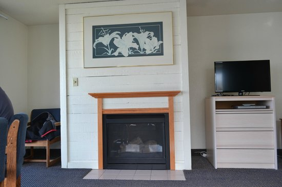 Surfside Resort:                   Gas fireplace