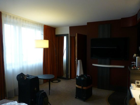 Mercure Lyon Centre - Gare Part Dieu: Massive rooms!