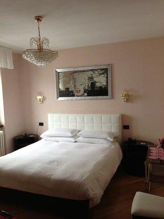 Albergo Relax :                   camera da letto