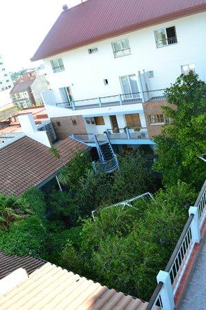 Hotel El Prado :                   Vista al patio-jardín