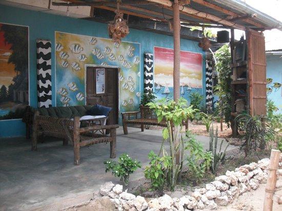 Nungwi Guest House:                   Durch die Regenzeit wirken die Fotos dunkler und ungemütlicher :(