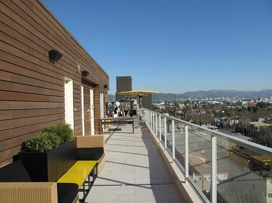 Kimpton Hotel Wilshire:                   Roof top  entry from the second elevator