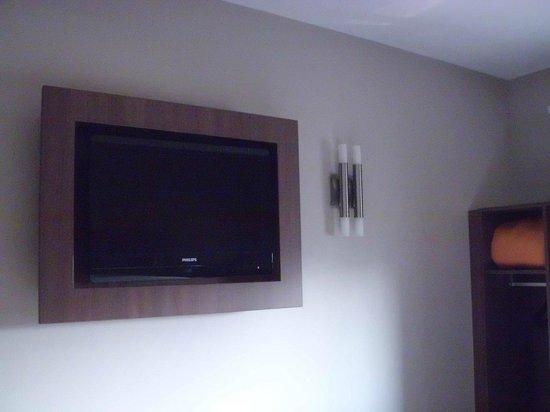 Arena Hotel :                   tv écran plat de la chambre