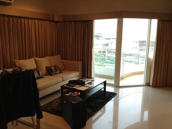 Viva Garden Serviced Residence: Wohnzimmer