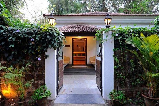 Aashyana Lakhanpal: Villa Venus Entrance