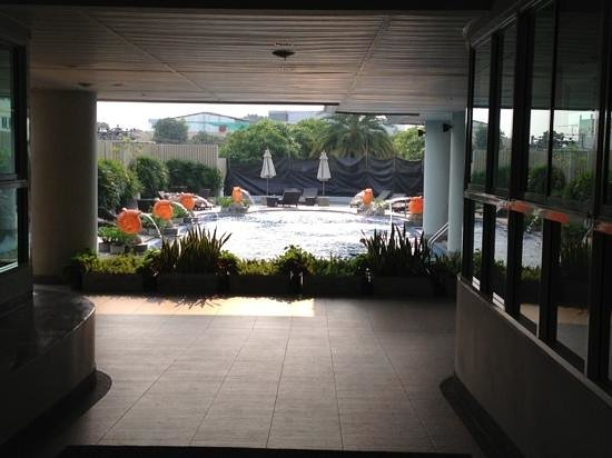 Viva Garden Serviced Residence: Swimming Pool