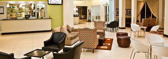 Pavillion hotel: Reception Area
