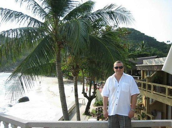 Crystal Bay Beach Resort:                   Вид с бассейна
