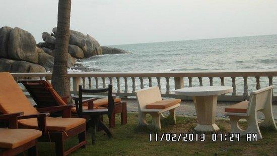 Crystal Bay Beach Resort:                   Вид из номера