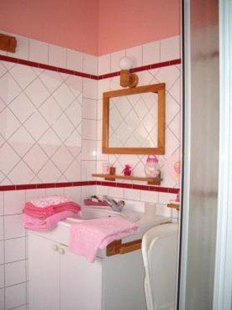 Orval, Francja: salle de bain avec douche chambre de 3 personnes