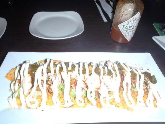 Vin's Restaurant and Bar:                   Chicken Nachos
