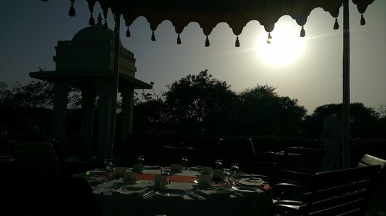 Trident Udaipur:                   Afternoon brunch