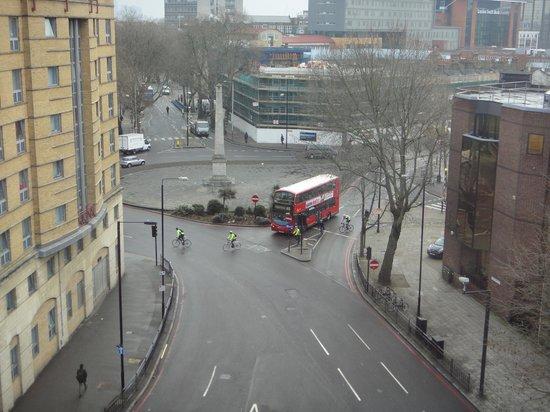 H10 London Waterloo:                   Vue du 6 eme depuis notre chambre d'angle