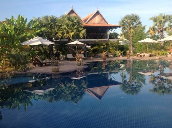 Battambang Resort:                   beautiful pool