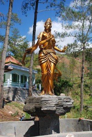 Nganjuk Indonesia Tempat Wisata Roro Kuning